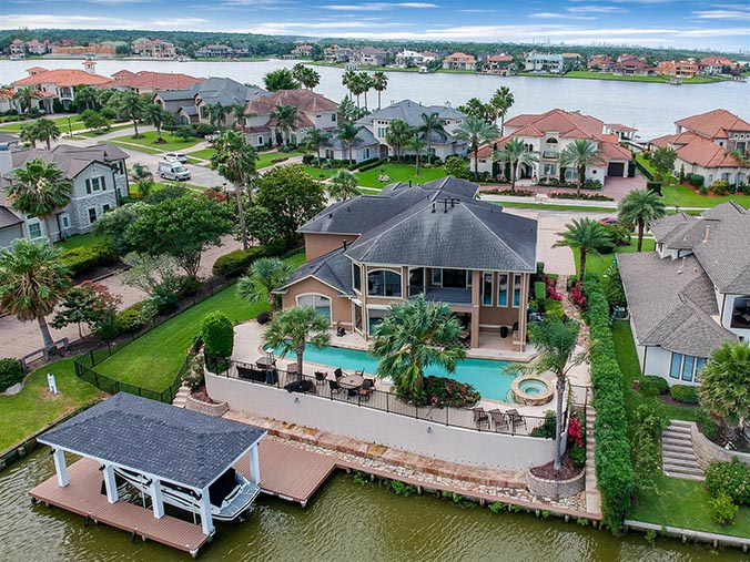 aerial photography for Kingwood, TX waterfront property